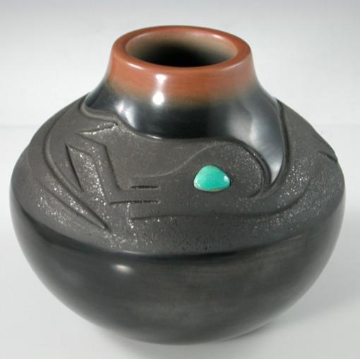 San Ildefonso Pot by Dora Tse Pe