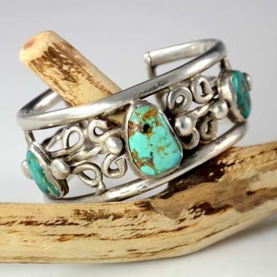 Antique c. 1910 Pueblo Turquoise Bracelet